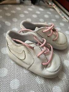 Vintage NIKE Baby Girl Leather Sneakers Shoes Size 1