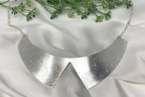 Gold or Silver Collar Necklace with Scratched Effect
