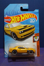 2018 Hot Wheels '15 DODGE CHALLENGER SRT in YELLOW, HW Muscle Mania 4/10 US Card