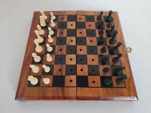 Nostalgisches Steck-Reise-Schachspiel Antik  aus Holz und Kunststoff Figuren