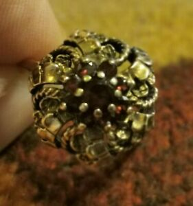 9 ct Gold Dress Ring  set with Rubies Size O / P 4.1 grams