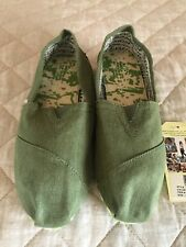 Toms classic size 7 green earthwise