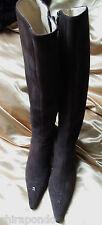 Chanel Stiefel Boots Wildleder braun dunkelbraun Heels  zeitlos CC First Class