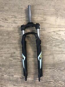 """SR Suntour XCT 27.5"""" Disc Mountain Bike Fork  1-1/8"""" 155mm Steerer Black"""