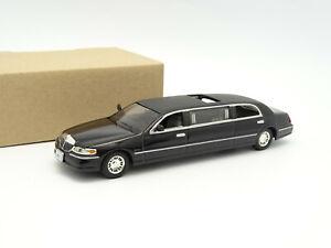 Sun Star SB 1/43 - Lincoln Town Car Stretch Limousine Noire