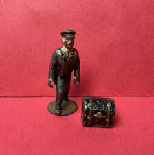 JOHILLCO RAILWAY PORTER AND LUGGAGE TRUNK LEAD FIGURES VINTAGE 1940s JOHN HILL