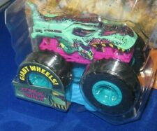 GIANT HOT WHEELS MONSTER TRUCKS 1:64 ZOMBIE WREX#74 CRUSHABLE CAR 2020, CRACK
