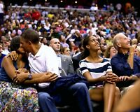 """BARACK OBAMA AND MICHELLE ON THE """"KISS CAM"""" - 8X10 PHOTO (DD-088)"""