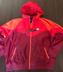 Nike Sportswear Windrunner Packable Hood Windbreaker Jacket Team Red AR2209-677