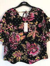 BNWT M&S Per Una Negro Plata Blusa Floral Talla 14 RRP £ 29.50 volante mangas