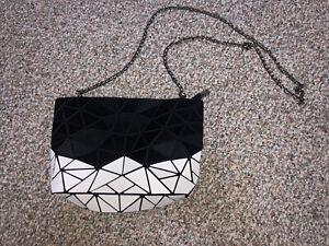 PATRIZIA LUCA Geometric Purse Bag Chain Strap Clutch : Matte Black And White