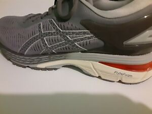 ASICS GEL KAYANO 25 Women's Us10.5  Carbon Gray Athletic Running Shoes worn once