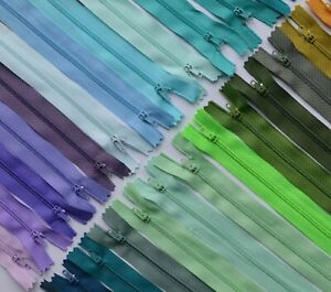 CLOSED END NYLON ZIPS #3 18 cm / 7 inch zip length 46 COLOURS