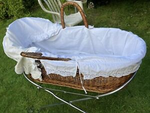 Middle of 20th century vintage Baby/dolls Brown Wicker Bed&stand Hoodie,mattress