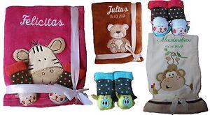 Babydecke mit Namen bestickt + inkl. ein Paar Socken Geschenk Geburt Taufe Baby