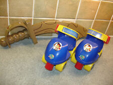 Disney Jake & The Neverland Pirates Ajustable Quad Patines & Jakes Hablando espada