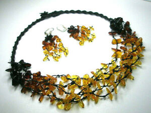 SET OF 5-LINE NATURAL BALTIC AMBER NECKLACE & EARRINGS
