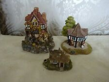 Lilliput Lane Collection  of 3 Flower Sellers Daisy Cottage & Large House