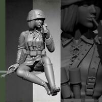 1:16 Resin Figure Model kit Female Tanker Crew Soldier Smoking Unpainte 2019