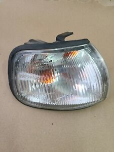 1991-1994 Genuine Nissan Tsuru Sunny Sentra B13 Clear Hella Right Corner Light