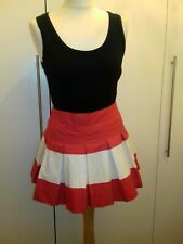 BNWT GILLY HICKS SIZE S RED & WHITE BOX PLEAT SHORT COTTON SKIRT. FRILLED LINING