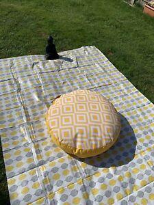 BEAUTIFUL LARGE SUNSHINE YELLOW FLOOR / GARDEN MEDITATION PICNIC CUSHION  BNWT