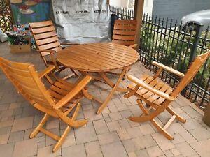 Originale Herlag Möbel 4 Stühle ein Tisch wenig benutzt NUR ABHOLUNG schick