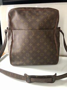 Cert. Authentic LV Louis Vuitton Mens Document Satchel Work Office Bag Shoulder