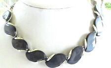 VTG LISNER VIOLET THERMOSET NECKLACE AND CLIP-ON EARRINGS