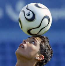 Cristiano Ronaldo UNSIGNED photo - B142 - Portuguese professional footballer