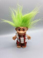 Troll / Gnom / Zwerg mit grünen Haaren