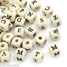 200 Perles en Bois Nature Carré Alphabet Lettres A-Z 10x10mm B22006