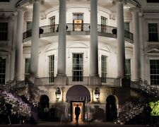 BARACK OBAMA ENTERS SOUTH PORTICO OF WHITE HOUSE IN 2012 - 8X10 PHOTO (ZZ-513)