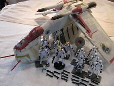 Star Wars Hasbro REPUBLIC GUNSHIP 13 Clone Storm Troopers Bases Extra Weapons