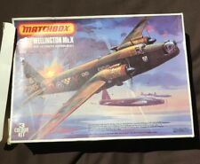 Matchbox 1:72 Wellington Mk.X bomber unmade plastic model kit.