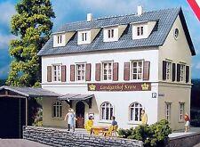 PIKO HO Scale Village Inn Hotel Building Kit # 61830  New in box