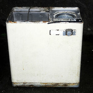 HOOVER 3174 TWIN TUB WASHING MACHINE. SPARES OR REPAIRS
