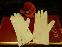 jolis gants anciens petite main