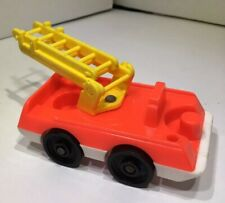 Vtg Fisher Price Little People Fireman Red Fire Truck W/ Yellow Ladder Extension