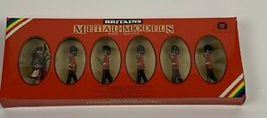 William Britain Metal Toy Soldiers Scots Guards & Piper Figures #7238