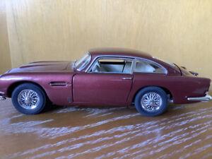 Danbury Mint Classic Aston Martin DB5 1/24