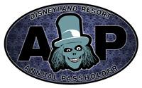 """STICKER Disneyland Resort Passholder 2019 Haunted Mansion Hatbox Ghost 6"""" DECAL"""