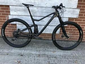 Scott Genius 910 2019 Carbon Mountain bike Size Small