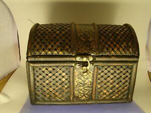 Small Wicker Trunk Treasure Box