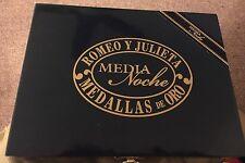 ROMEO Y JULIETA VINTAGE MEDALIAS DE ORO WOODEN Lacquered CIGAR BOX Media Niche