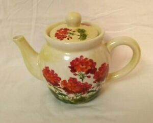 Red Geraniums Teapot with Lid