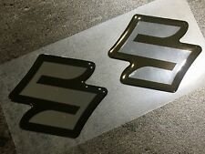 ADESIVI 3d-Set 2 PEZZI PER SUZUKI GSXR GSX-R 600 750 1000 emblema Chrome-Nero