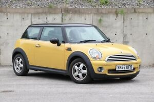 Mini Cooper 1.6i, R56 new shape, mellow yellow with gloss black roof, superb