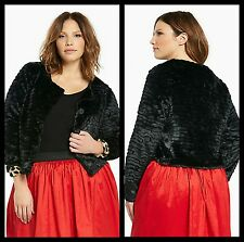 NWT Torrid Plus Size 2X Black Cropped Faux Fur Jacket (ZZZ11)