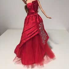 Barbie Holiday Celebration 2012 atuendo complete dress model muse